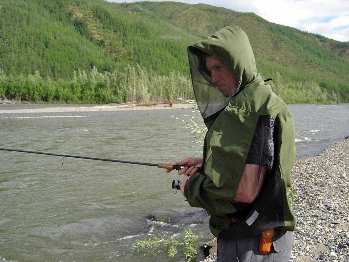 костюм для летней рыбалки от комаров
